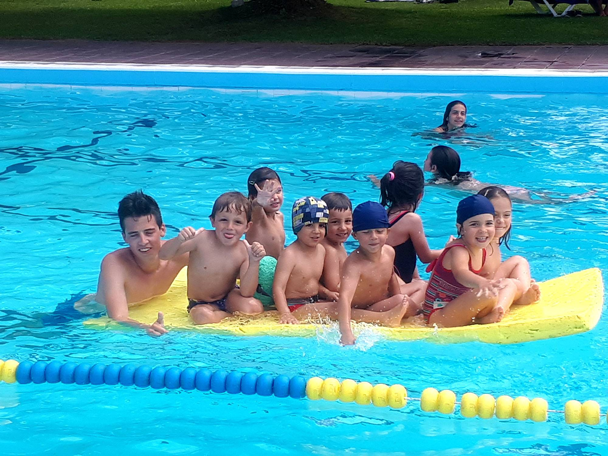 piscina_activitats aqua`tiques_.jpg